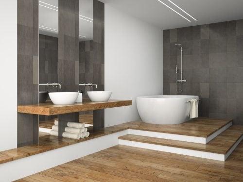 Деревина у ванній кімнаті