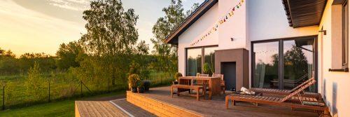 Дерев'яна тераса: як доглядати за поверхнею