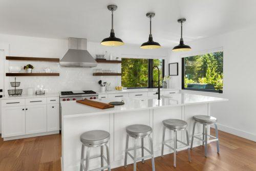Металеві тенденції інтер'єру в дизайні кухні